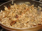 Güveçte Kremalı Tavuk Dolması (Ceviz, Badem ve Çam Fıstıklı)