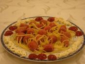 Spagetti Çubuklarında Sosisli Makarna