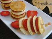 Mini Pancakes With Strawberries Recipe