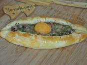 Kıymalı Yumurtalı Karadeniz Pidesi
