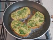 Dereotlu Yumurtalı Ekmek Kızartması