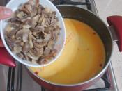Kırmızı Biberli Mantar Çorbası