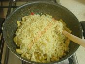 Pesto Soslu Tavuklu Noodle