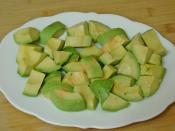 Peynirli Avokado Salatası
