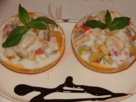 Kremalı Meyve Salatası (Greyfurt Çanağında)