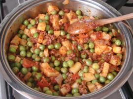 Minced Meat With Fresh Peas Meal Recipe