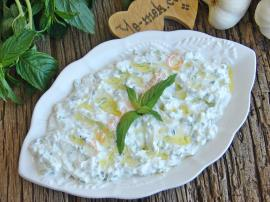 Yogurt And Cucumber Sauce (Tzatziki Sauce) Recipe