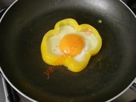 Biber İçi Yağda Yumurta