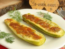 Şık Sunumlu, Kolay ve Pratik Bir Ara Sıcak : Fırında Peynirli Kabak Sandal