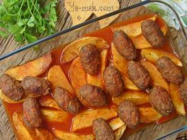Fırında Salçalı Patatesli Köfte Nasıl Yapılır?