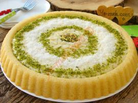 Pasta Görünümlü, Hafif ve Lezzetli : Kremalı Revani