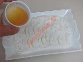 Kahvaltılık Ballı Süzme Yoğurt