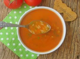 Şehriyeli Domates Çorbası