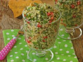 Bulgurlu Ispanak Salatası Nasıl Yapılır?