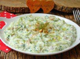 Yoğurtlu Çiğ Kabak Salatası