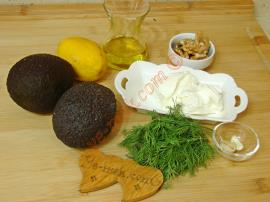 Peynirli Avokado Ezmesi