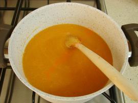 Erişteli Tarhana Çorbası