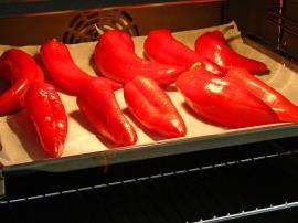 Közlenmiş Kırmızı Biber Sosu
