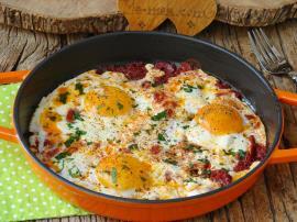 Salçalı Yumurta