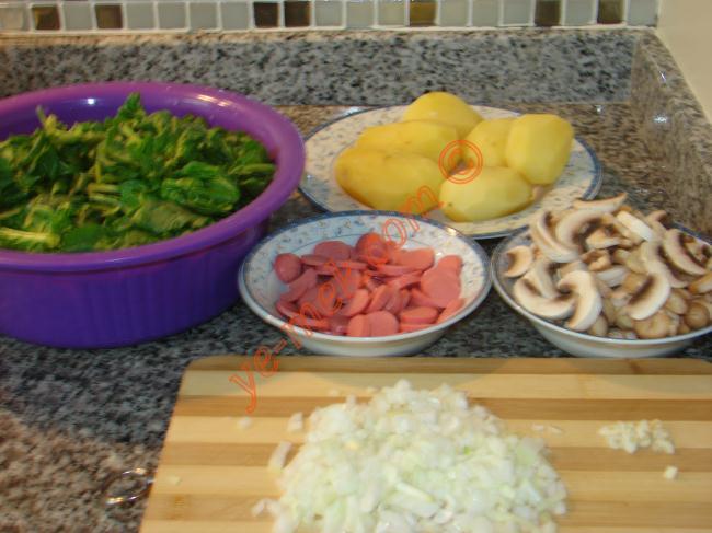 Patates Püreli Ispanaklı Graten - Yapılışı (1/12)