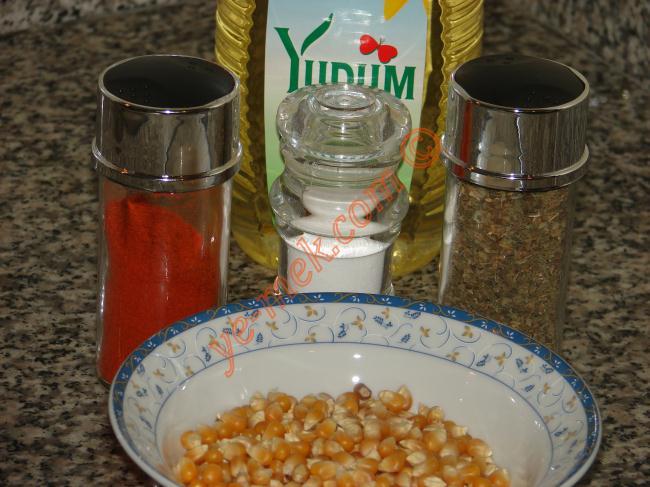 Baharatlı Patlamış Mısır (Acılı) Malzemeleri