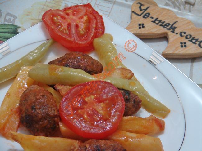 Kimsenin Asla Hayır Diyemeyeceği 15 Fırında Köfte Yemeği Tarifi