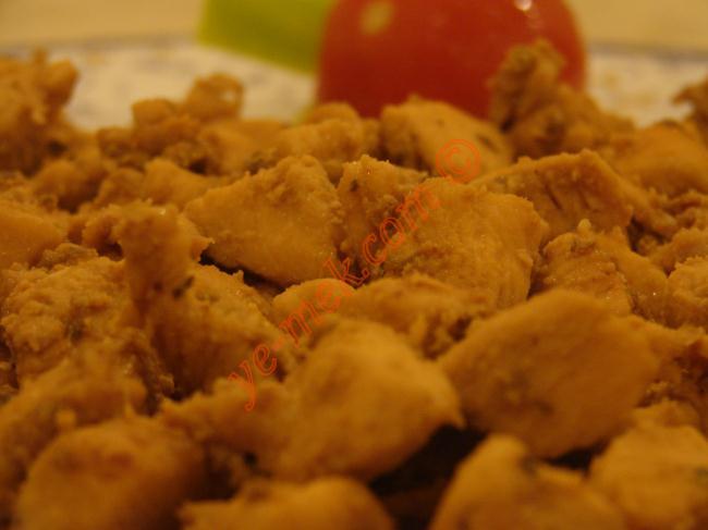 Soya Soslu Tavuk (Sütle Marine Edilmiş)