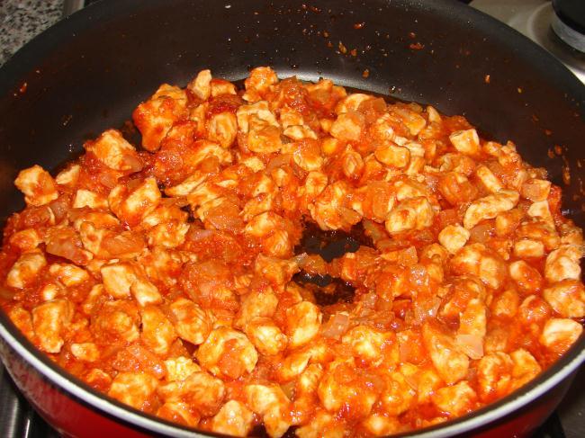 Tavuklu Bezelye Yemeği Tarifi (Resimli Anlatım)   Yemek ...