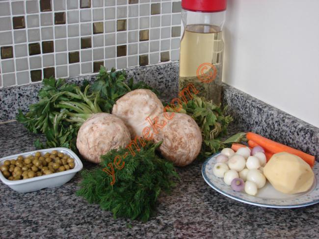 Zeytinyağlı Kereviz Dolması Malzemeleri