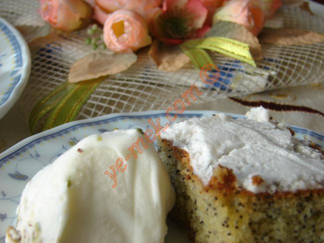 Haşhaşlı Pasta Malzemeleri