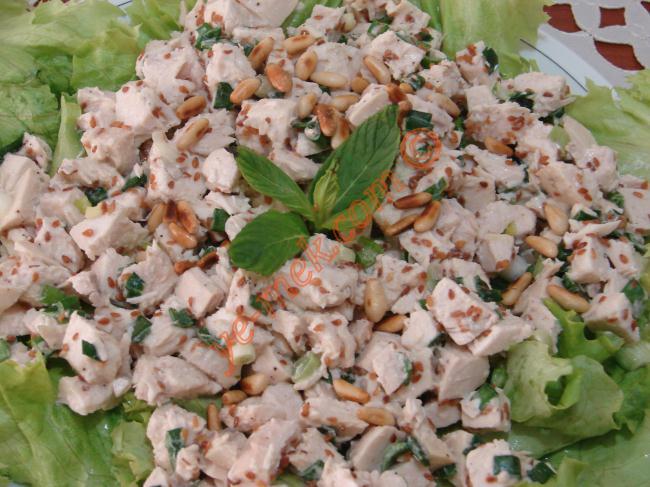 Tahinli Tavuk Salata