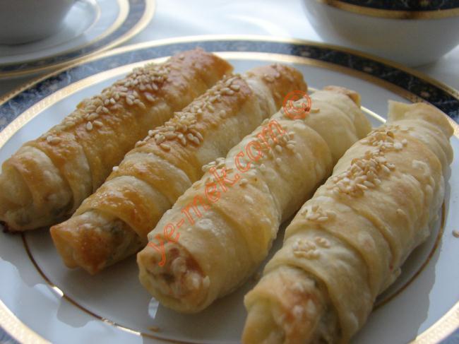 Çıtır Börek Resimli Yemek Tarifi