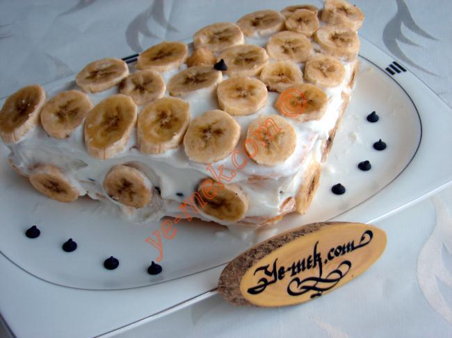 Minyatür Muzlu Pasta