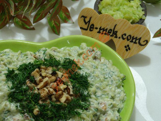 Kabak Salatası Cevizli