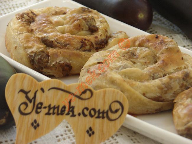 Patlıcanlı Çarşaf Böreği