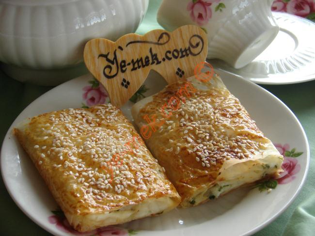 5 Dakika da Hazır, Çıtır Çıtır Bir Börek : Baklavalık Yufkadan Börek