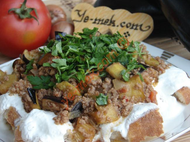 Etli Sulu Patlıcan Yemeği