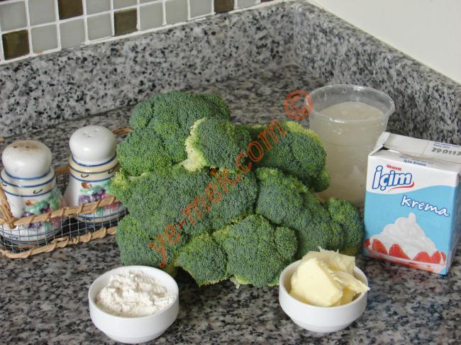 Sütlü Brokoli Çorbası Malzemeleri