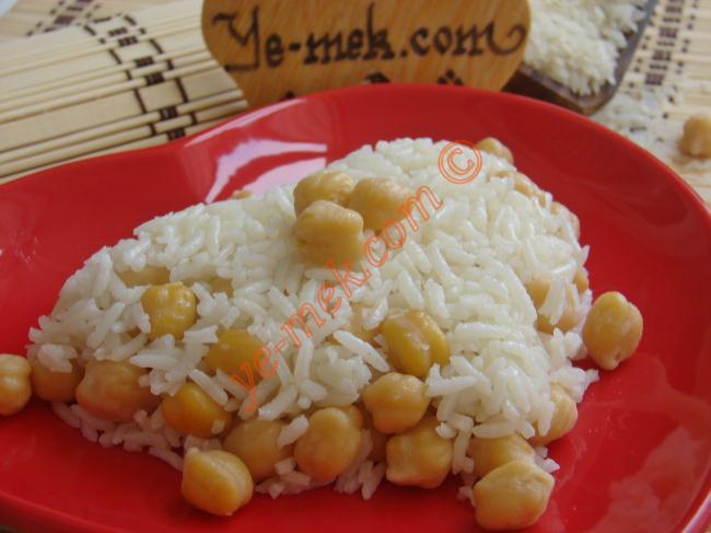 Etli, Sebzeli, Sade Ama Hep Tane Tane Pirinç Pilavı Tarifleri