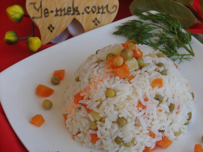 Garnitürlü Pilav