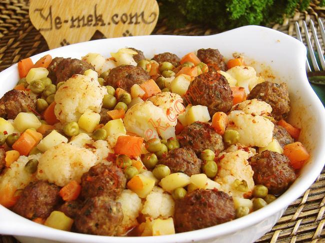 Patlıcanlı kıymalı kolay börek tarifi