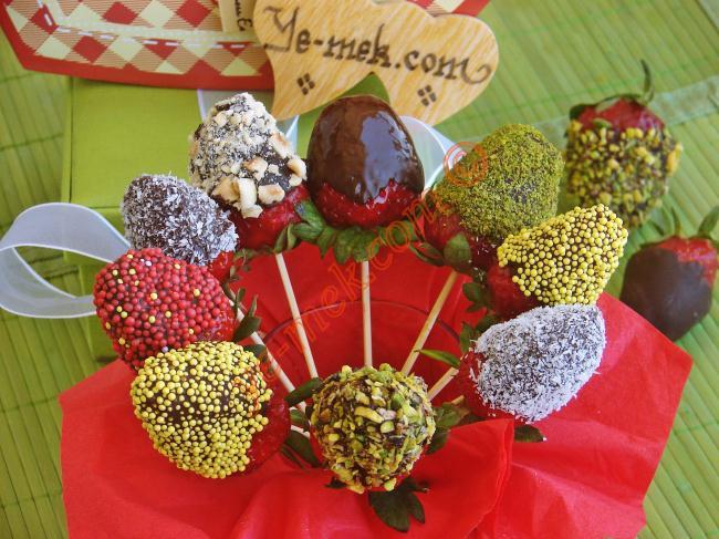 Çikolatalı Çilek Buketi Nasıl Yapılır? (9/12) | Resimli ...