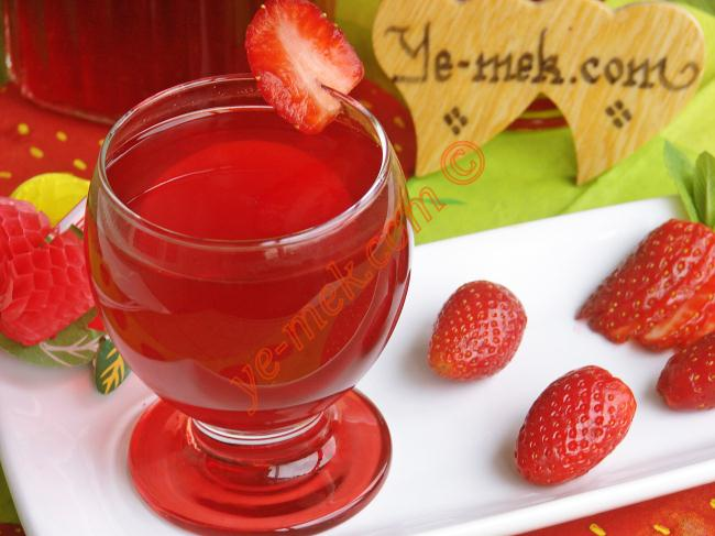 May 29,  · To make strawberry juice using the syrup, mix ¼- cup of the syrup with one cup of water. Add more strawberry syrup if you'd prefer it sweeter. Or add more water if it's too sweet. You can spice up your strawberry juice by using soda water instead%(11).