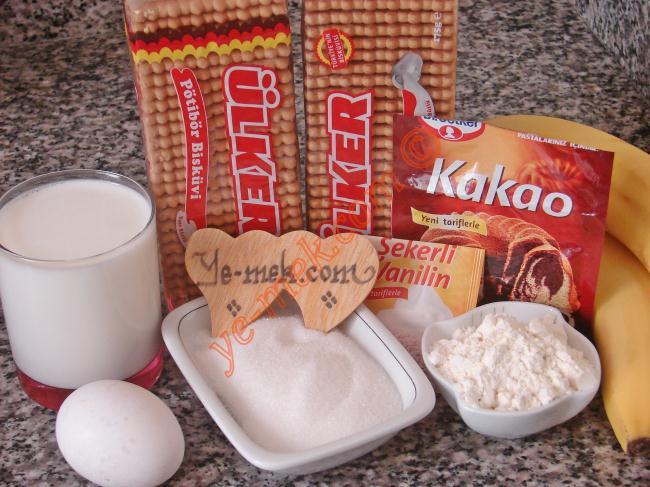 Bisküvili Piramit Pasta İçin Gerekli Malzemeler :  <ul> <li>2 paket pötibör bisküvi</li>         <li>2 adet muz</li> <li>4 su bardağı süt</li>         <li>2 yemek kaşığı kakao</li> <li>6 yemek kaşığı toz şeker</li> <li>3 yemek kaşığı dolusu un</li> <li>1 adet yumurta</li> <li>1 paket vanilya</li>  </ul>
