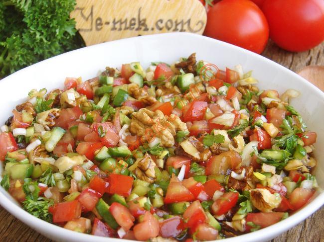 Cevizli Salata Tarifleri