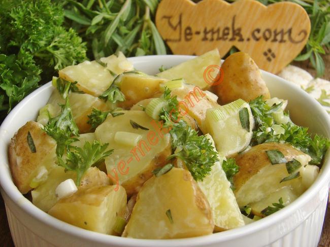 Kerevizli Ezme Patates Salatası Tarifi