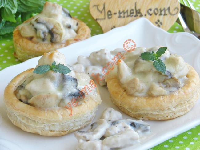 Chicken Volovants Filled With Béchamel Sauce Recipe