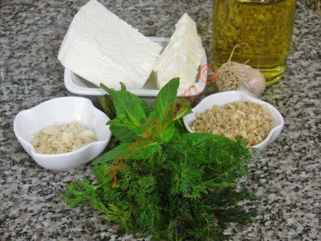 Cevizli Ve Fıstıklı Peynir Topları Malzemeleri