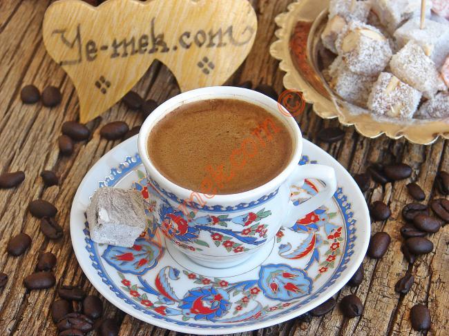 Kahve Yanında İkram Edebileceğiniz Çikolatalı Tatlı Tarifleri
