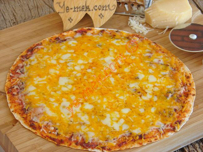 4 Peynirli Tortilla Pizza